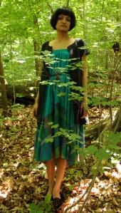 13/06/09: Saia do Ebay transformada em vestido, cinto de couro e mocassins de veludo preto da Verseau Vintage.